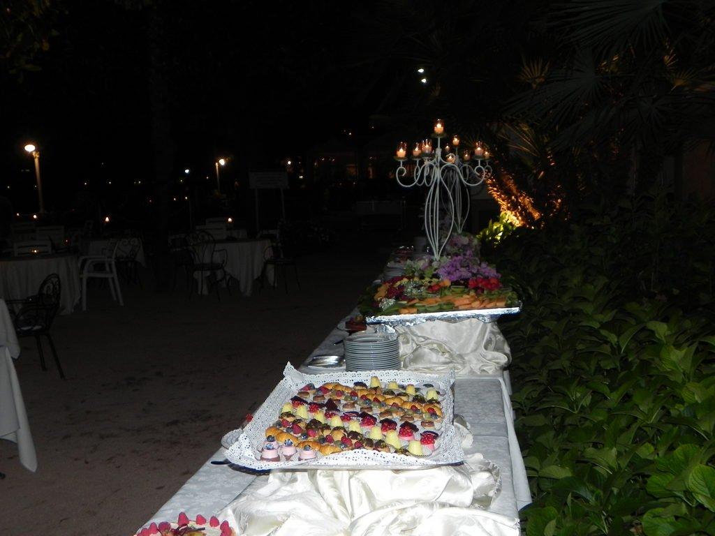Grand Riviera Wedding Cake
