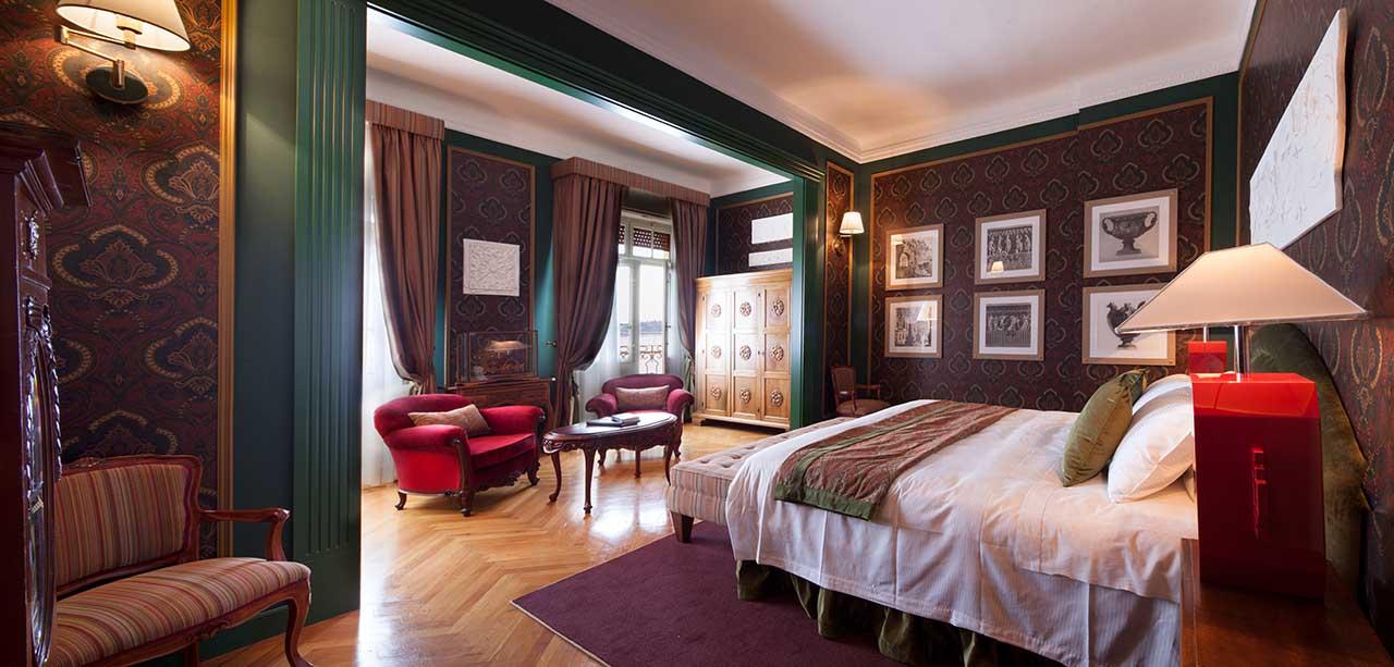 gabriele d 39 annunzio junior suite. Black Bedroom Furniture Sets. Home Design Ideas