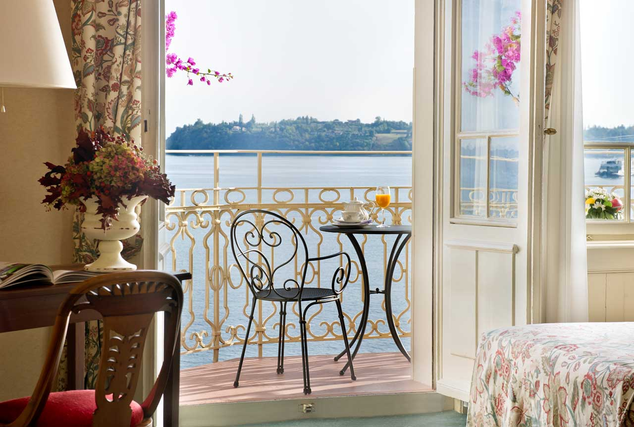 double-room-superior-balcony-lake-view