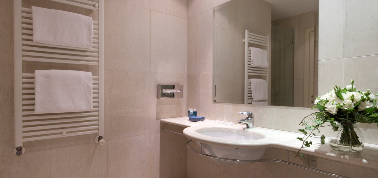 double-room-superior-bathroom-